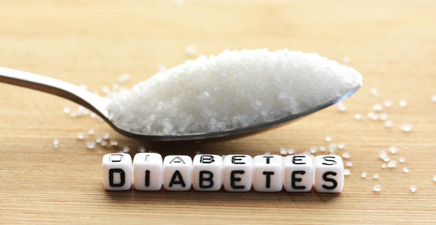 عسل برای دیابتی ها مناسب تر از شکر است